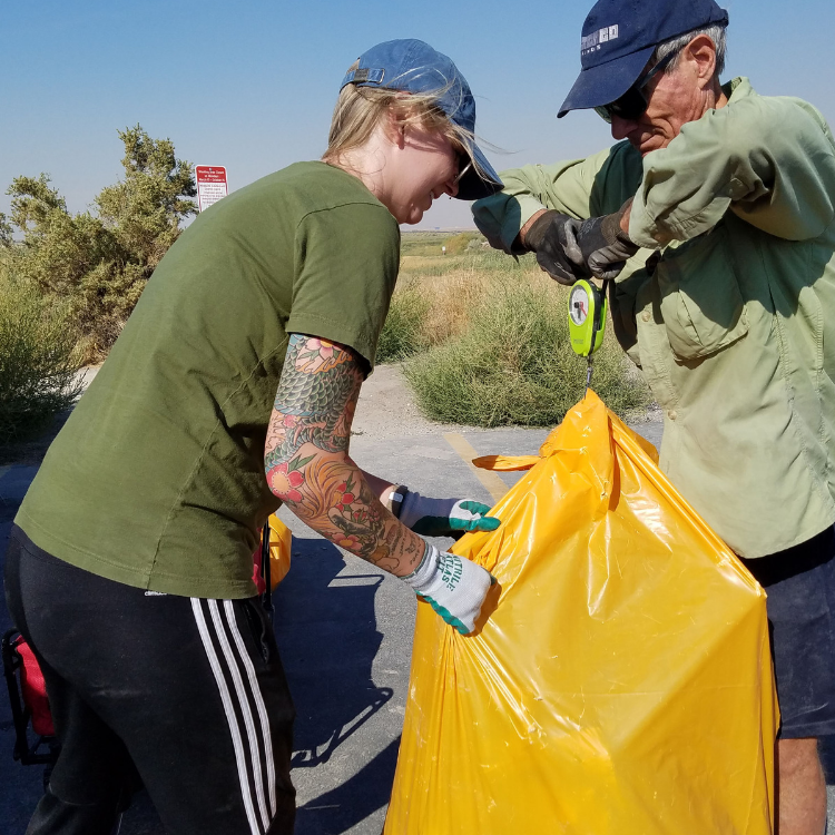 weighing-bag-litter-Antelope-Island-Clean-Up