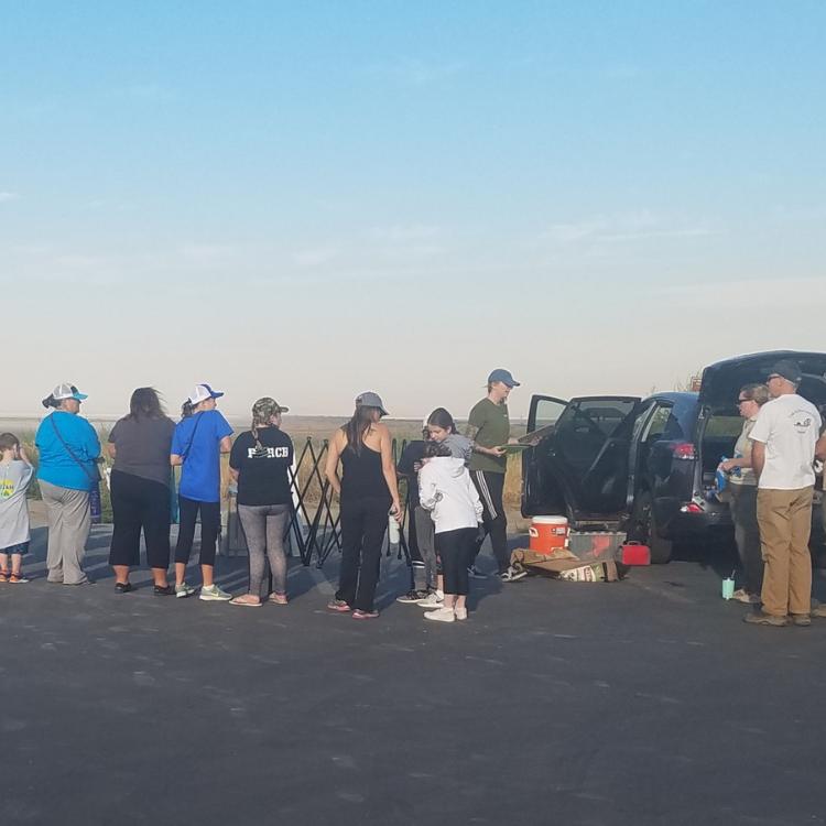 Volunteers-clean-up-Antelope-Island-State-Park
